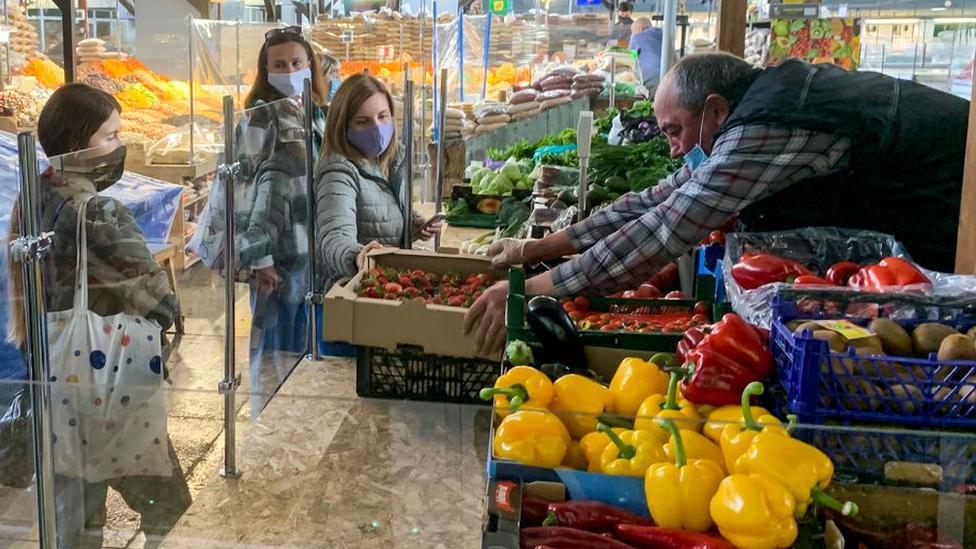 U Kijevu su ublažene mere zaštite od korona virusa