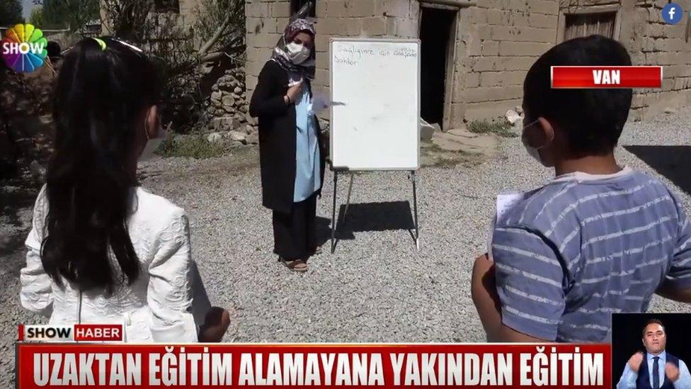 Turkish teacher during lockdown