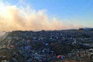 deponija gori dim